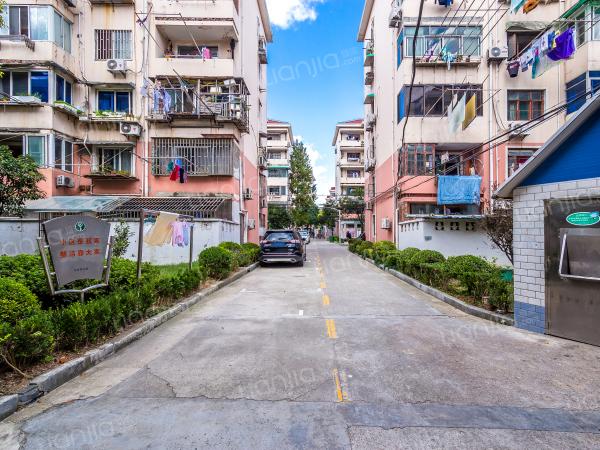 小区街道透视图